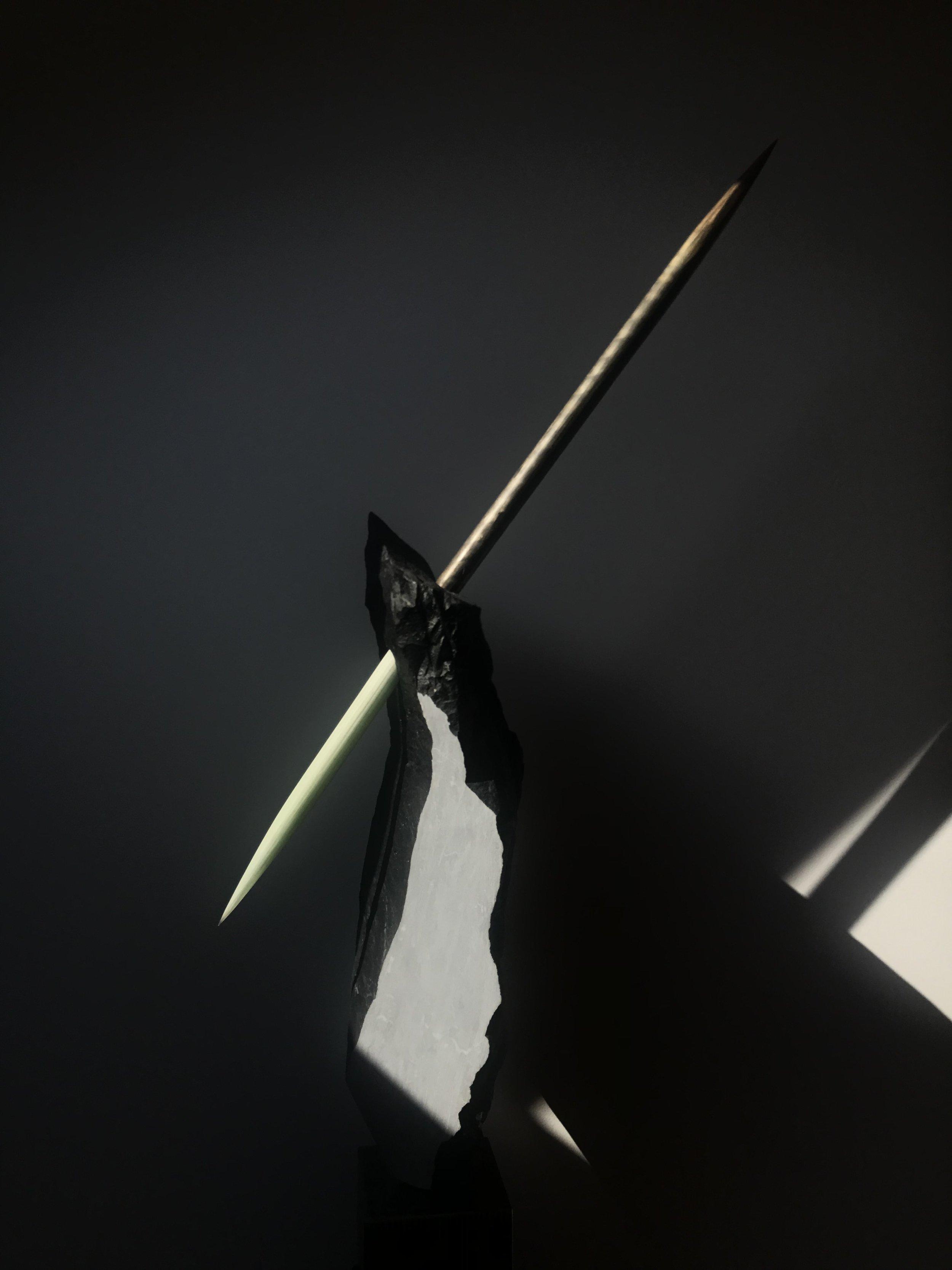 Transpercée   Marbre noir / bronze / fibre de verre / acier