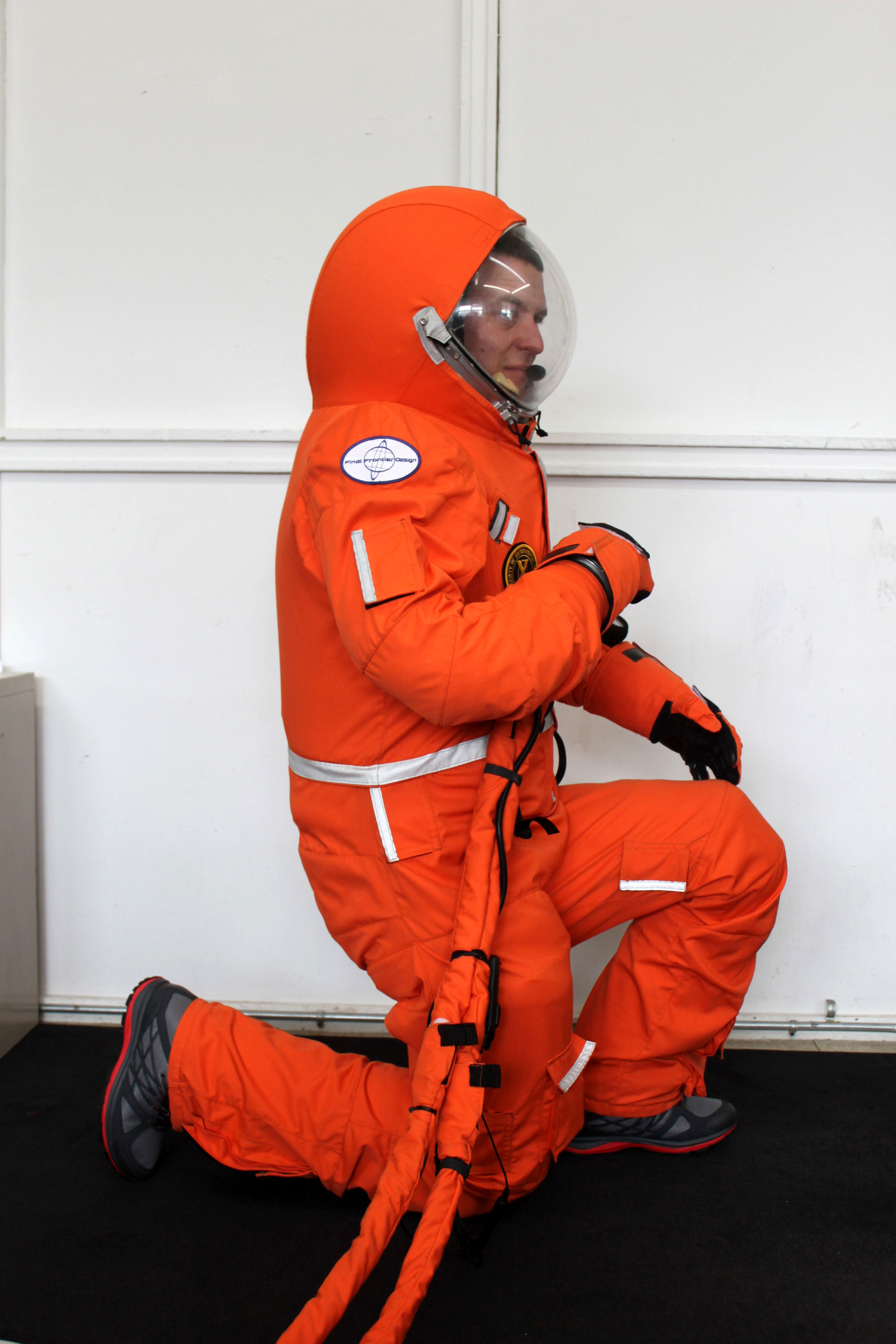 Gen 2 outergarment for the 3G Mark III suit