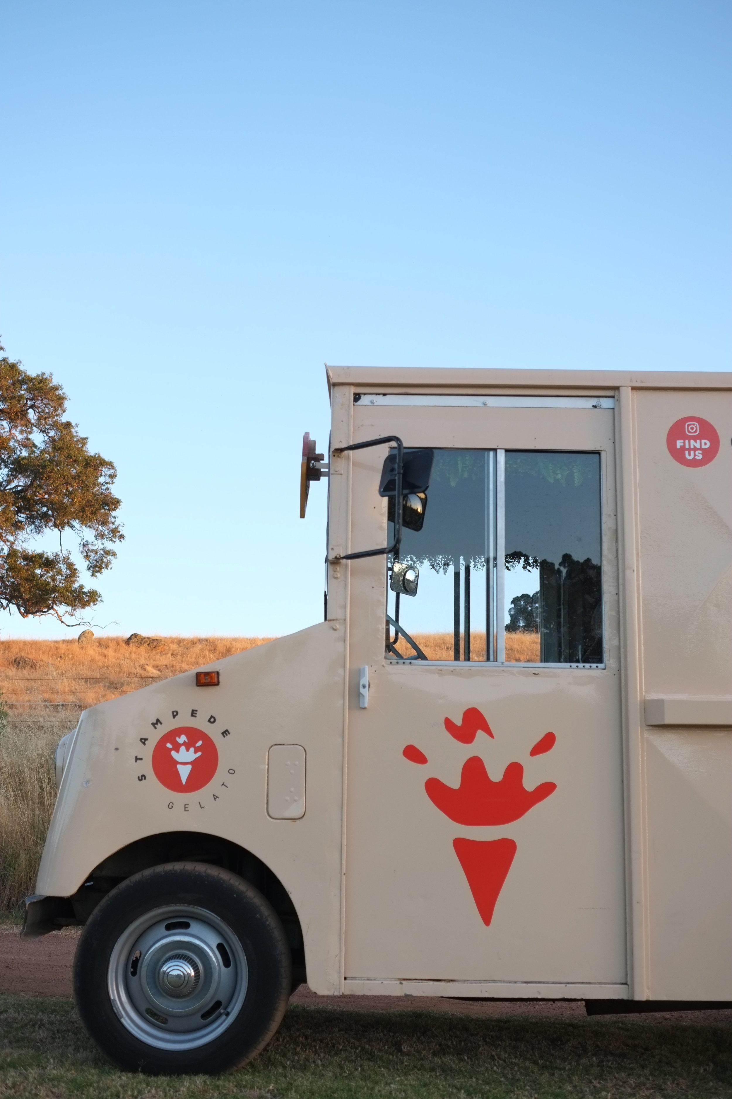 Our solar powered posty van turned gelato truck at a wedding.