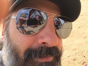 mekons_dan_joeright_sun_glasses.jpeg
