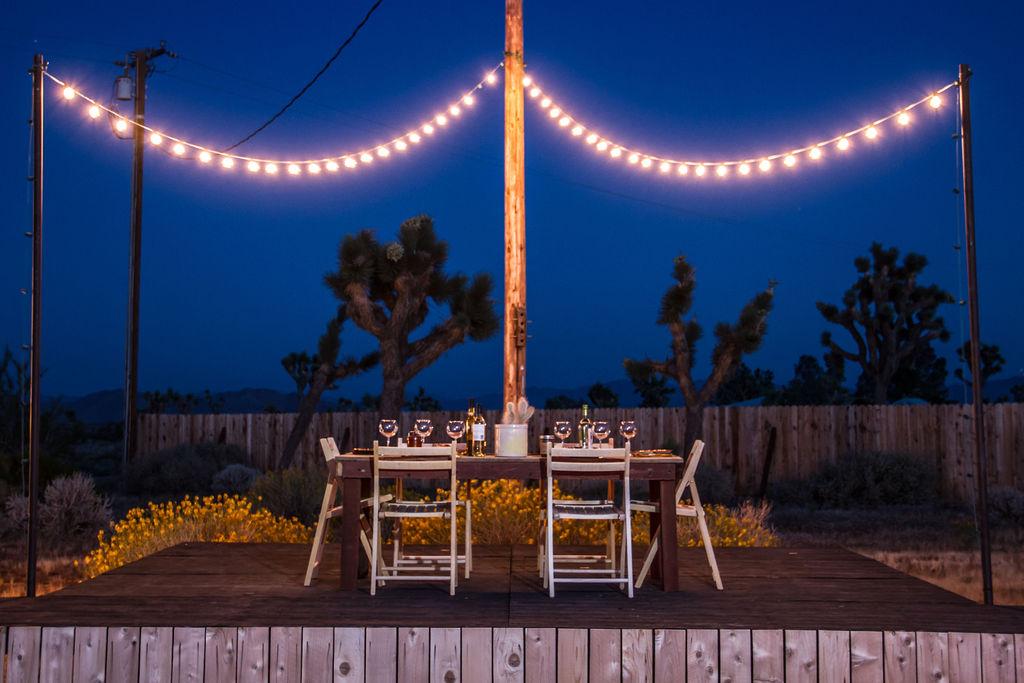 Night_Desert_Dining.jpg