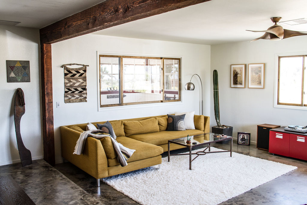 Yucca_Valley_Living_Room.jpg