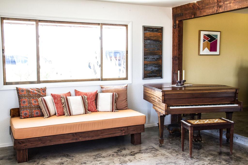Joshua_Tree_Living_Room_Piano.jpg