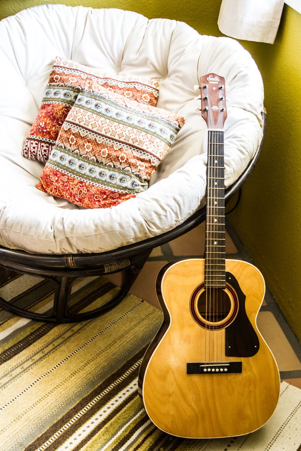 Guitar_Hangout_Bedroom.jpg