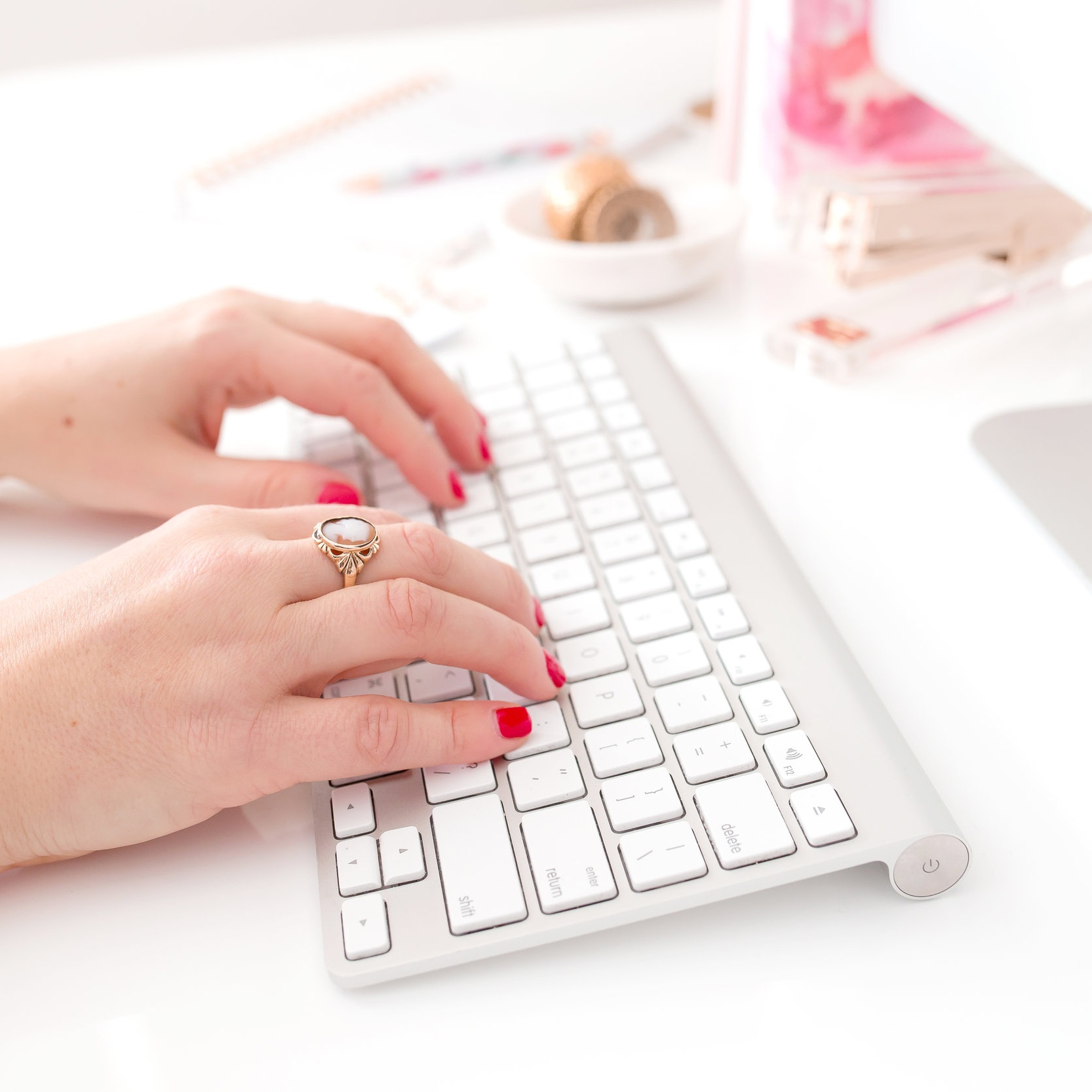 haute-chocolate-styled-stock-photography-pink-red-work-lifestyle-stock-4-final.jpg