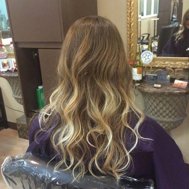 Pretty blonde balayage + style by Maria! 💘 Call 407-682-7677 for scheduling! Stylist: Maria | @hairstylist_maria . . . . . #altamontesprings #altamontehair #altamontehairstylist #altamontesalon #altamontehairsalon #salon #hair #esthetician #moriahbrandonsalon #orlando #orlandosalon #orlandohair #orlandonails #altamontenails #hairstyles #haircolor #haircut #hairstylist #hairdresser #moriahbrandons #behindthechair #modernsalon #hotonbeauty #instagood #instahair #hairgoals #hairinspo #balayage #blondebalayage #balayageombre