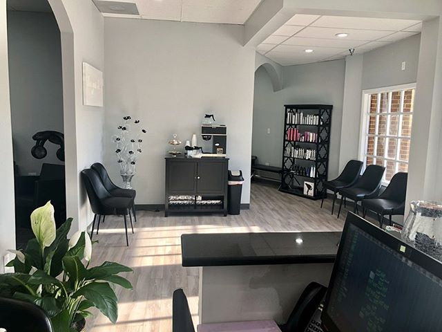 We are officially in our NEW SALON! 🎉  Our new location is at  1889 West State Road 434 Longwood, FL 32750 in the Longwood Village Shopping Center next to 4Rivers + Pickles NY Deli. If you have any questions, please call us at 407-682-7677. See you all there! ✨ . . . . . #altamontesprings #altamontehair #altamontehairstylist #altamontesalon #altamontehairsalon #salon #hair #esthetician #moriahbrandonsalon #orlando #orlandosalon #orlandohair #orlandonails #altamontenails #hairstyles #haircolor #haircut #hairstylist #hairdresser #moriahbrandons #behindthechair #modernsalon #instagood #instahair #hairgoals #hairinspo #new #newlocation #newsalon