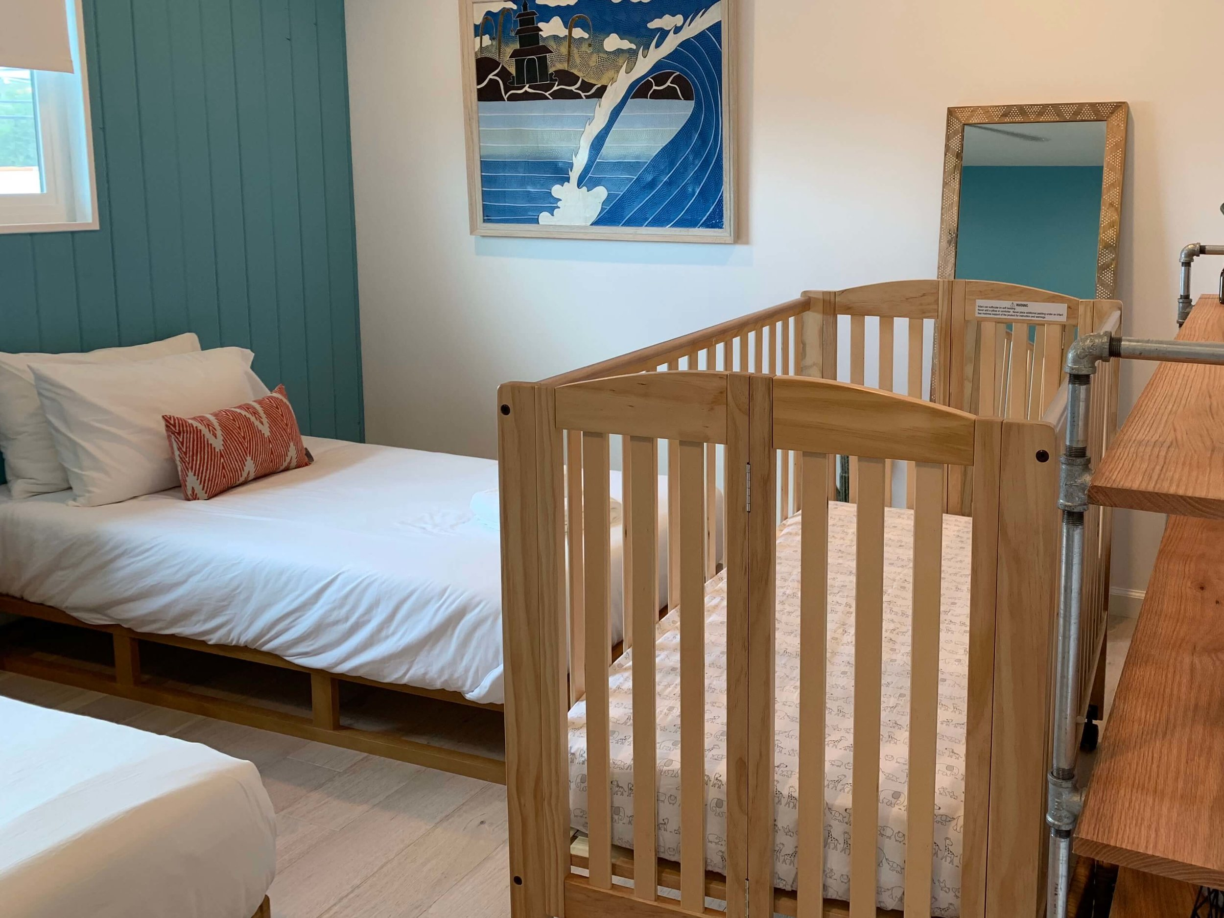 Actual recent (July 2019) VacaDUN Full Size Crib rental for a traveling family's vacation home in San Clemente, CA. In addition to the crib, they rented a toddler bed, beach toys, baby soothers, a Graco high chair, Sunba sun tent and more for three nights— for less than $100. With free delivery and setup!