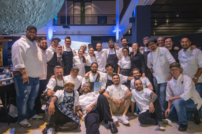 Around the World in 10000 Bites…100 Guests Dine on 100 Courses from 10 Countries - .....plus Bubbles and Baubles, the VIP Evening Before, Made for an Unforgettable Weekend for This City