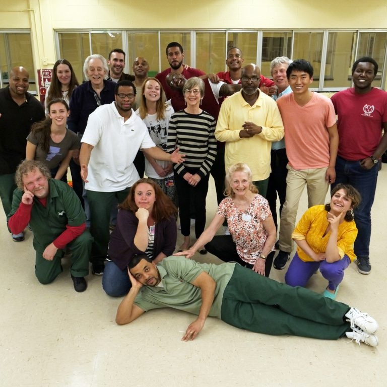 Photo of 2017 prison theater course.