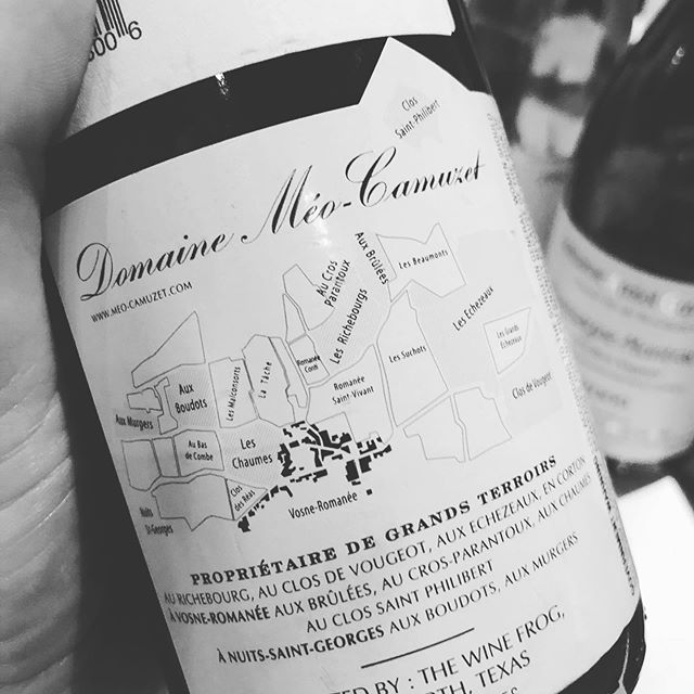 If only every back label was as perfect as @domaine_meo_camuzet! #vinfraîche #drinkfraîche #meocamuzet
