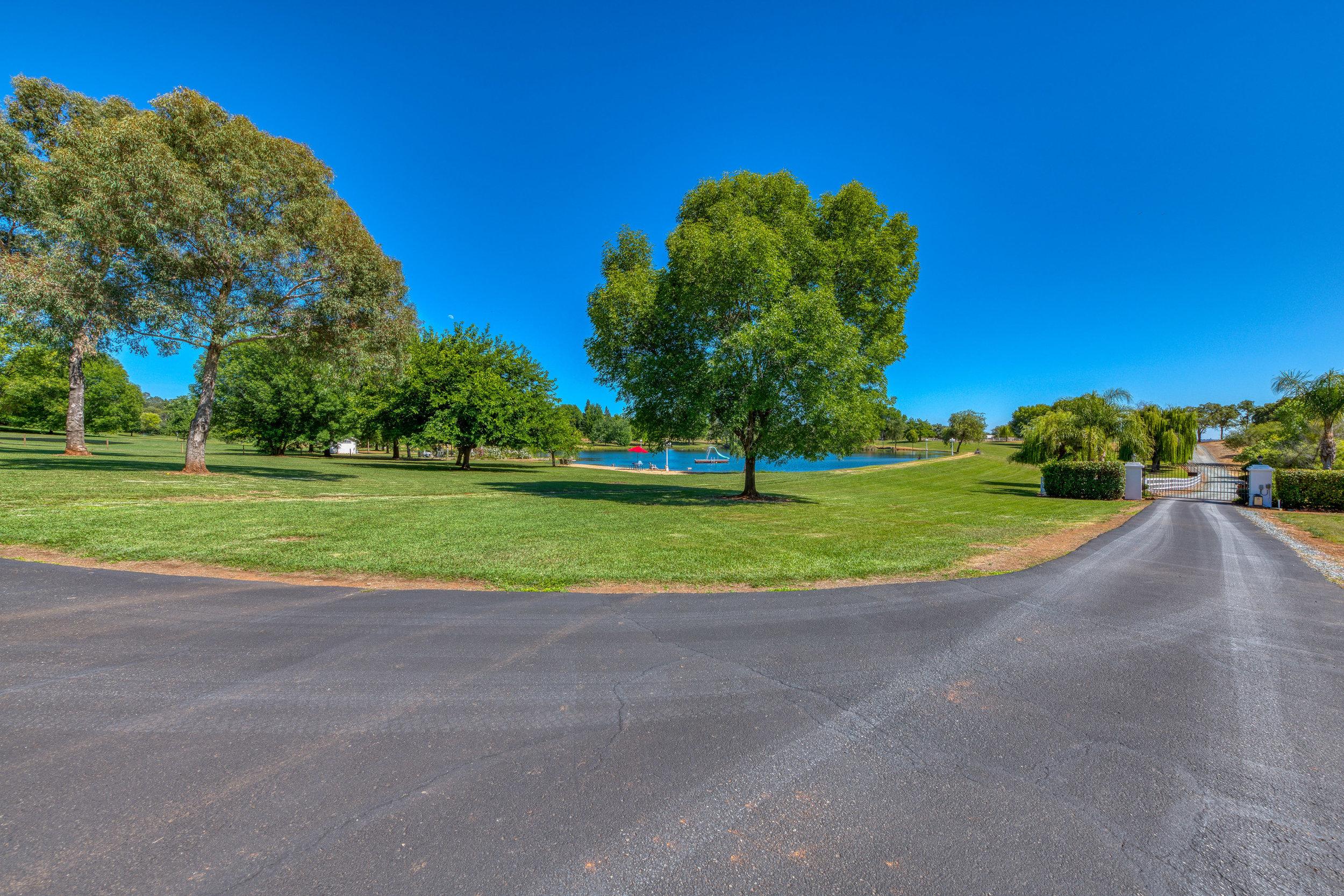 4200 Oak Valley Drive - 16.jpg