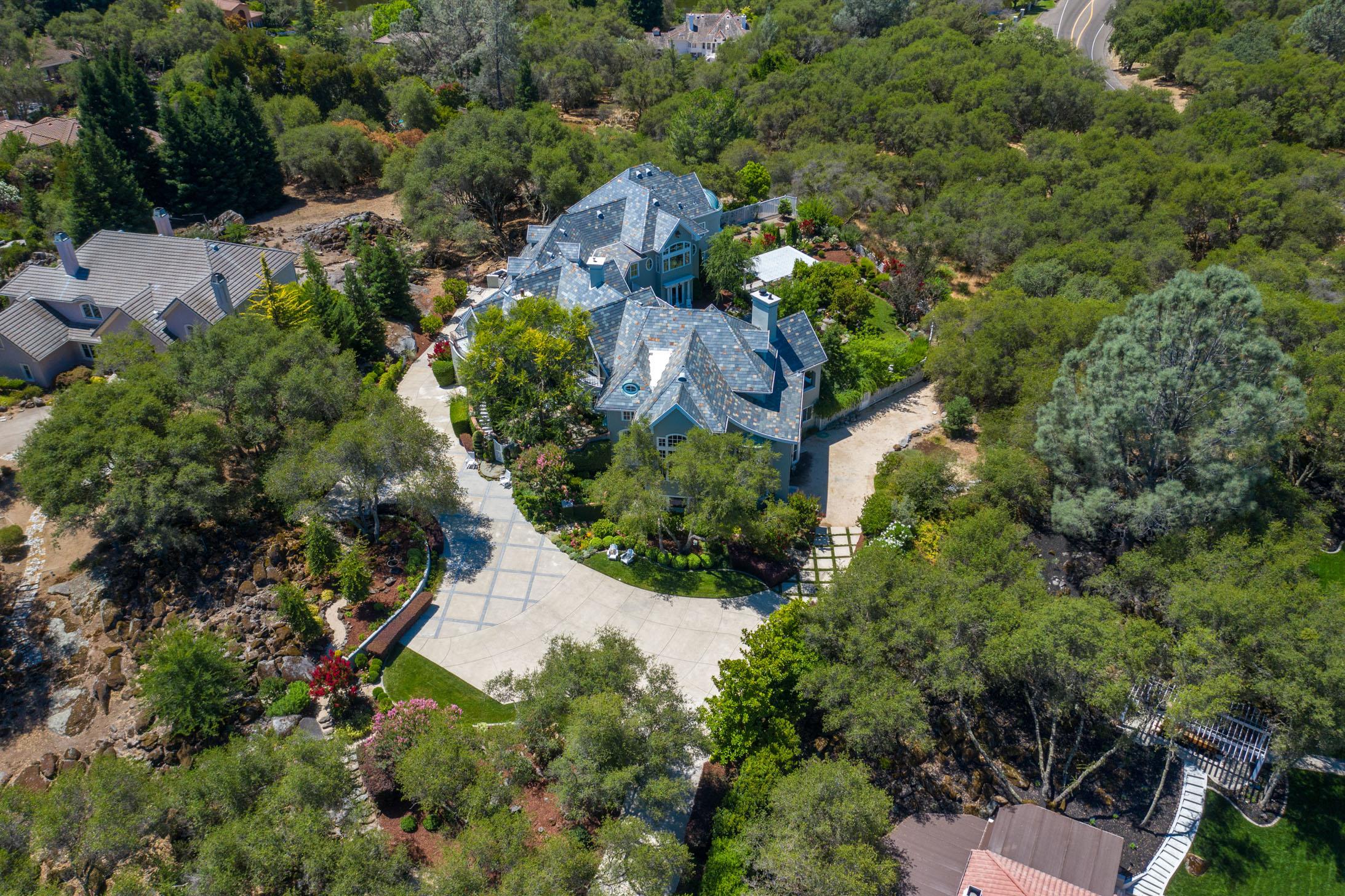 5851 Valle Vista Court 3.jpg