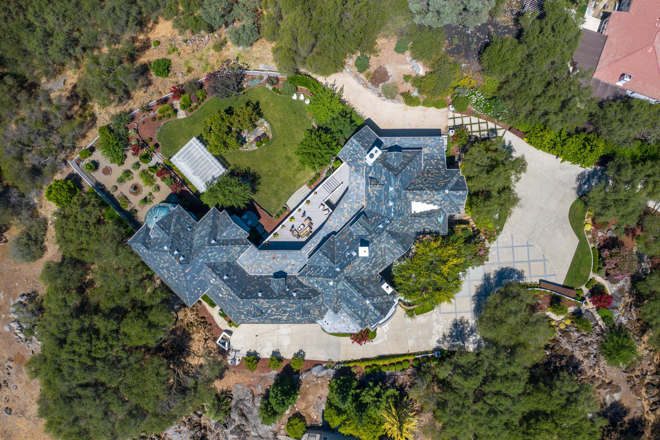 5851 Valle Vista Court 10.jpg