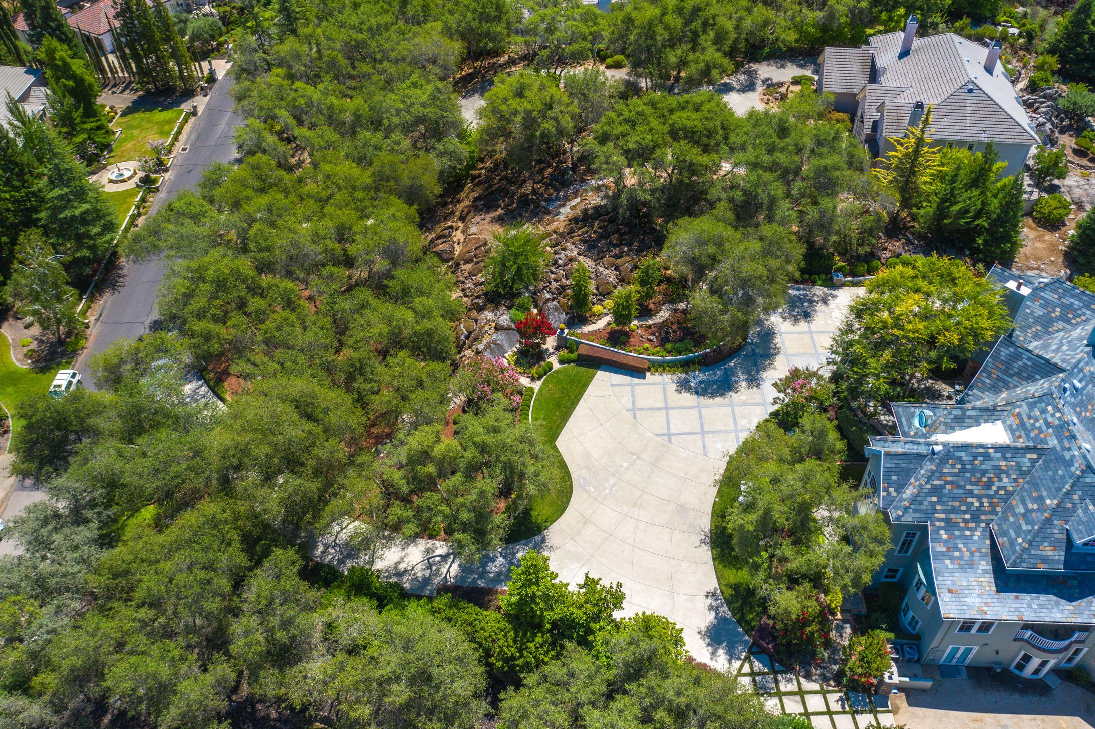 5851 Valle Vista Court 20.jpg