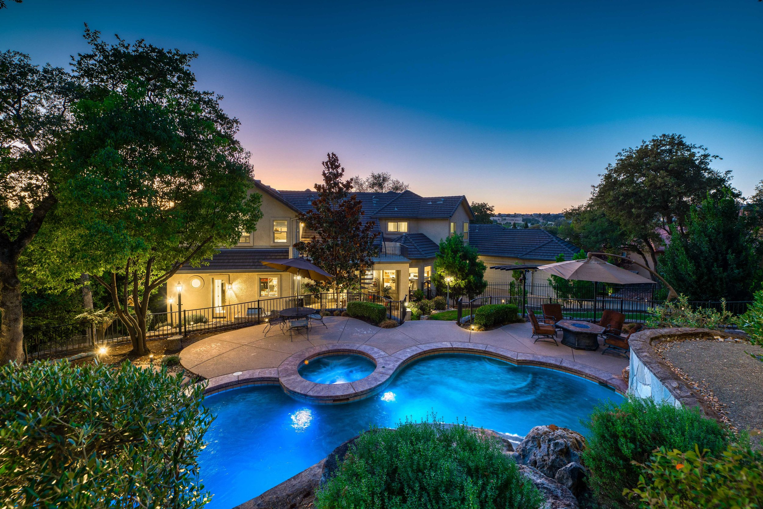 2330 Clubhouse Drive - Twilight - 10.jpg