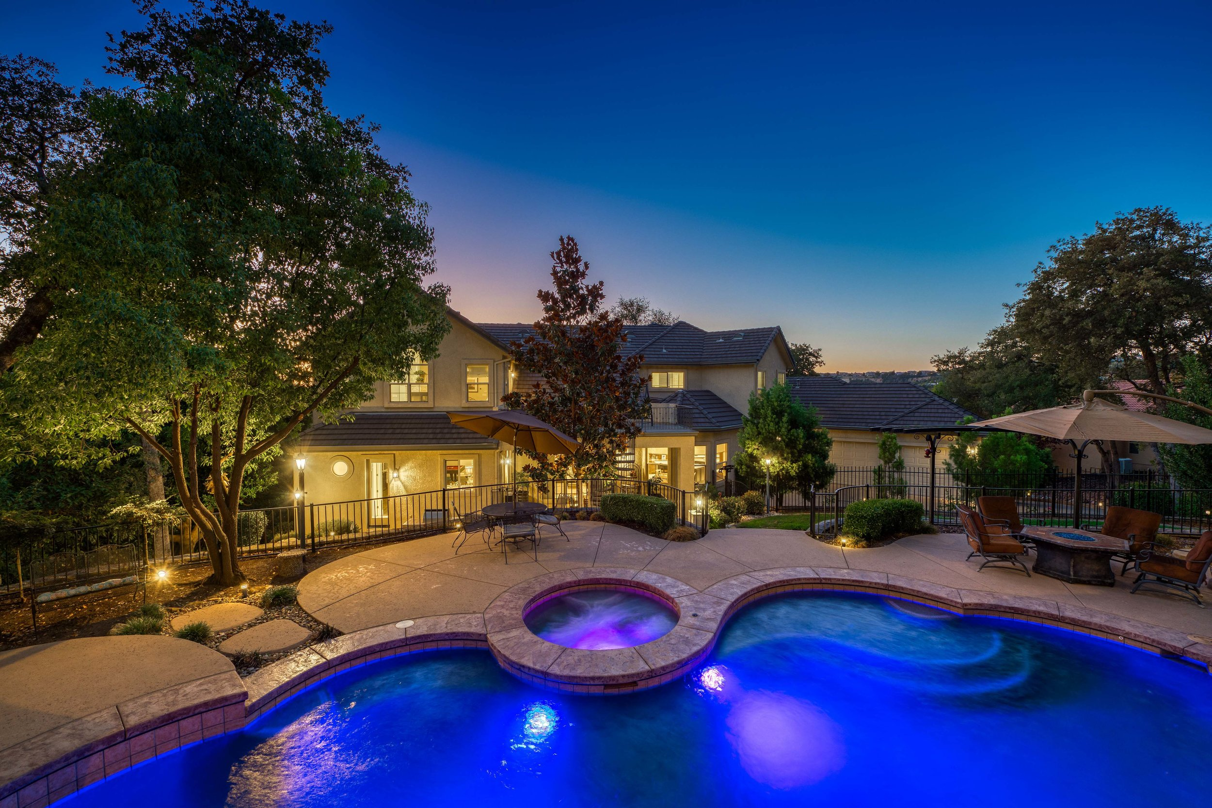 2330 Clubhouse Drive - Twilight - 11.jpg
