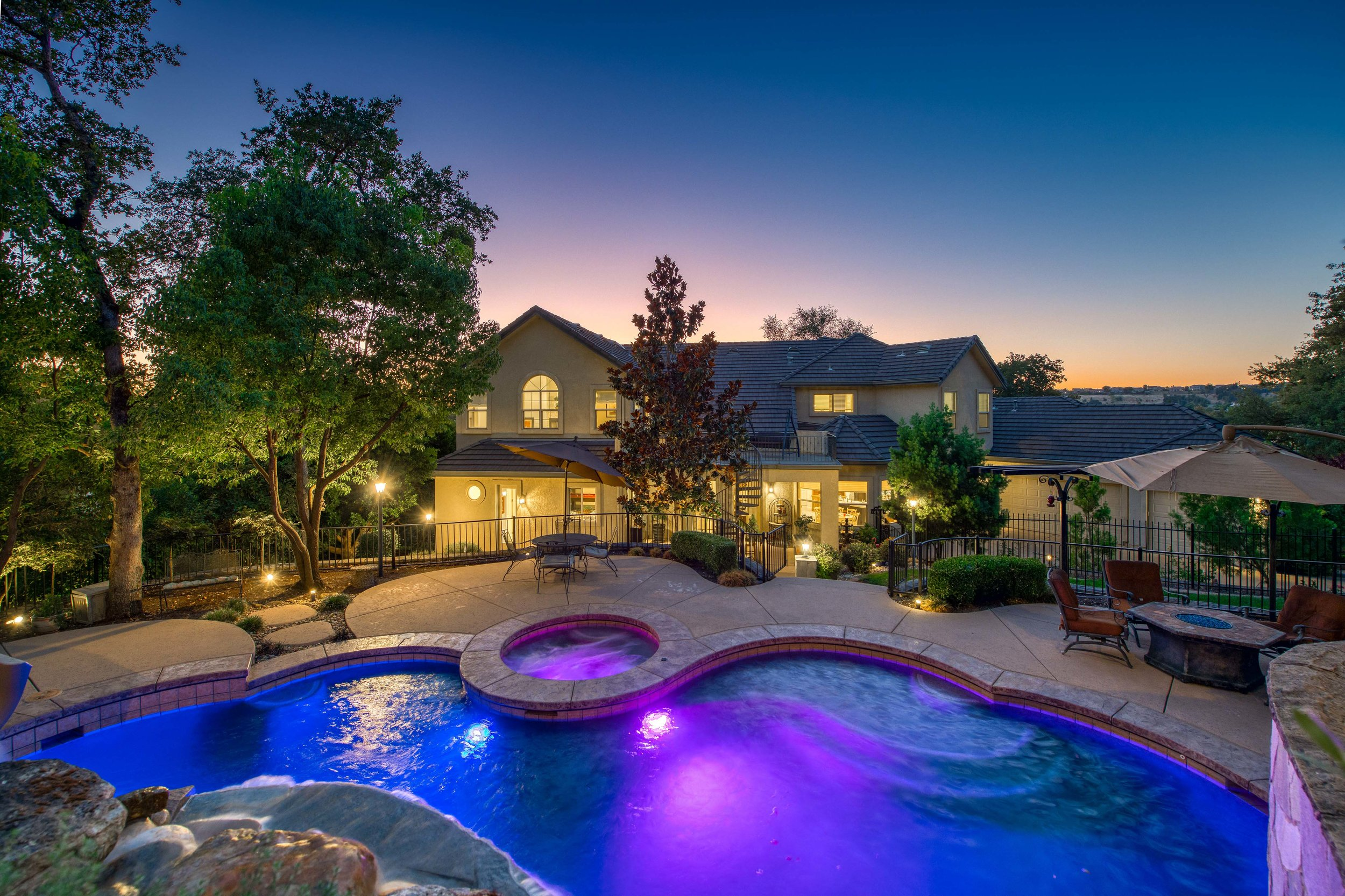 2330 Clubhouse Drive - Twilight - 12.jpg