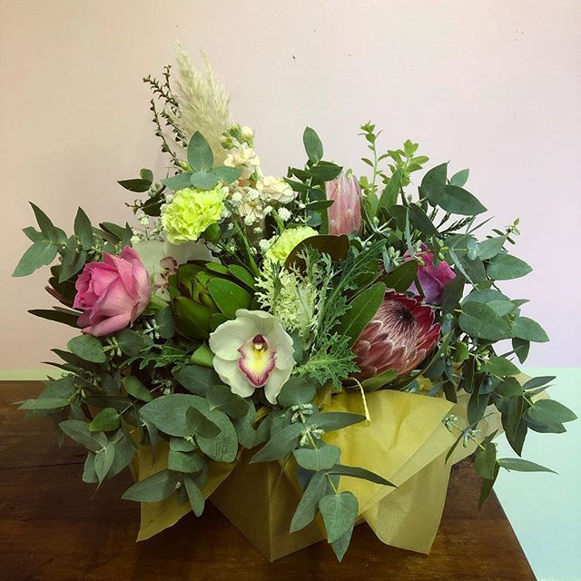 💥GIVEAWAY💥 To celebrate us being open for a year (!!!) we are giving away a big box of flowers.  TO ENTER: 💥Follow us and tag a friend! Closes this Sunday 5th May at 12noon, Wellington only. Thank you so much to everyone who has thrown their support behind Abaca Florist, it means the fricken world to me and I am the luckiest gal to be able to live out this dream. Lots of Love, Holly O xxx