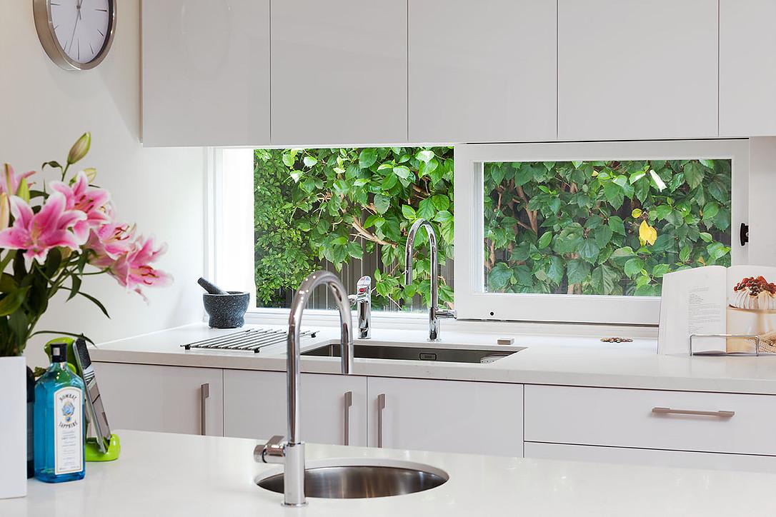 mccourt_kitchen_02.jpg