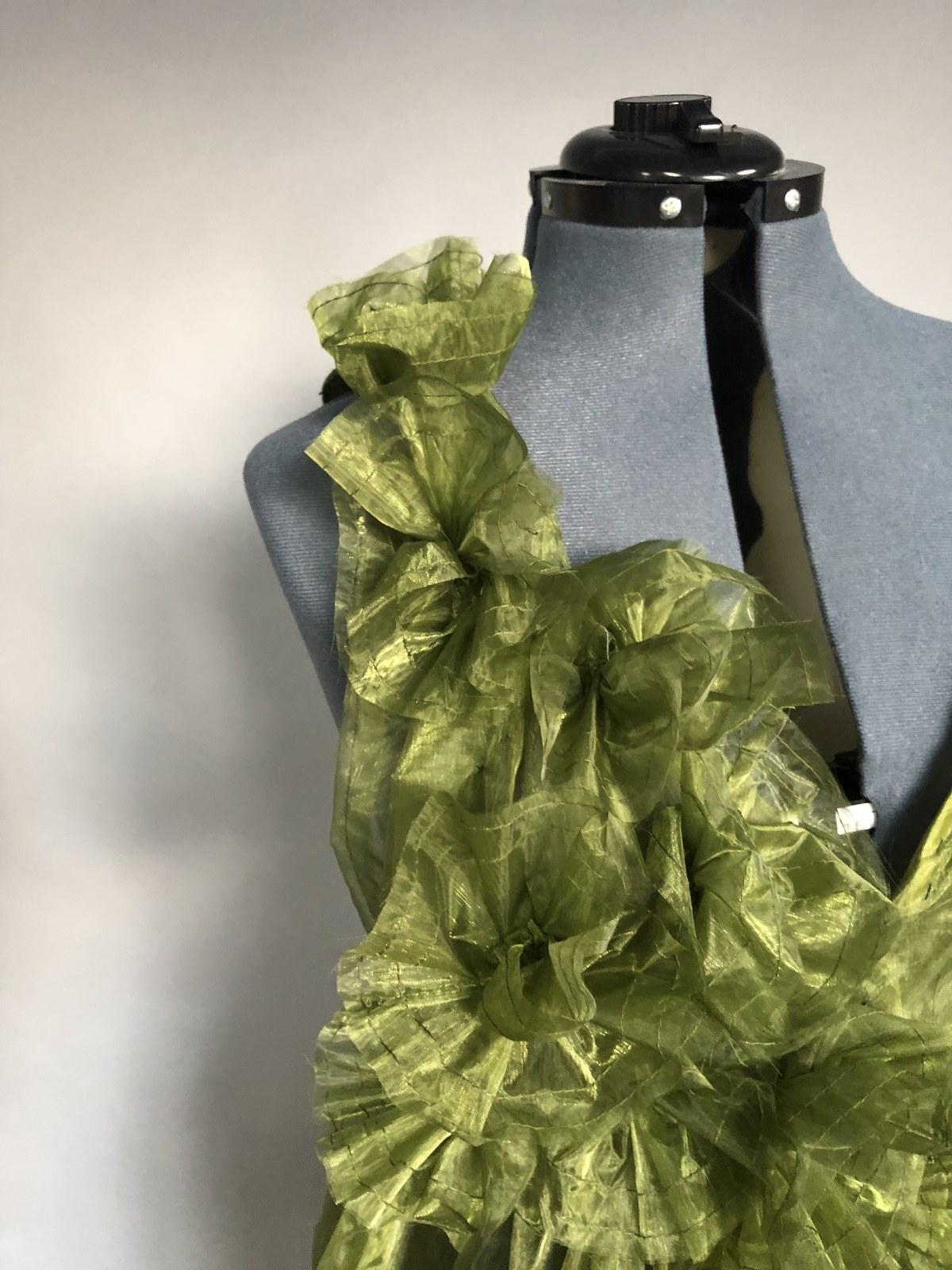 green dress details.jpg