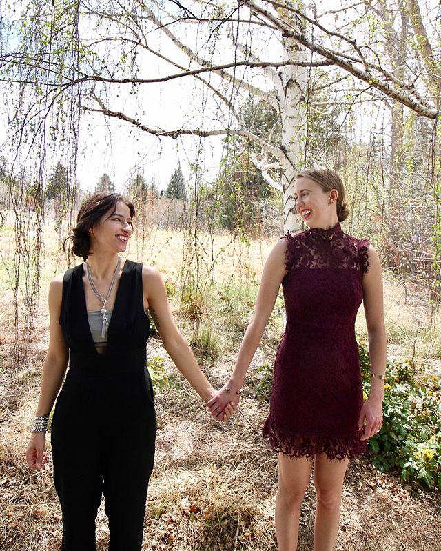Ahhhhhhh 3 days away!! Please don't be mad when I look at our wedding ca the same adoring way I look at you 💋💍🍰🥂 @whereswinona