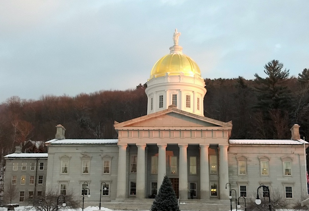 Statehouse with Statue.jpg