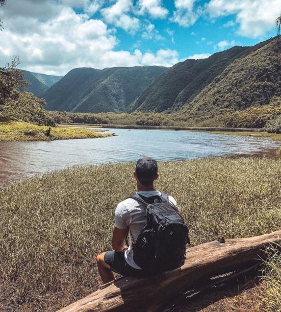 hiking hawaii zero crowds.JPG