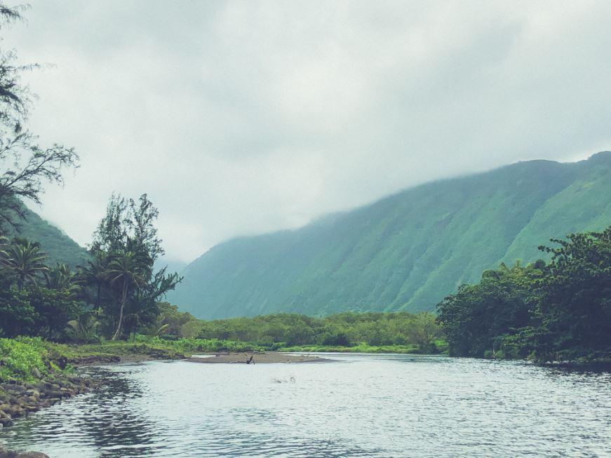 hiking when to visit hawaii.JPG