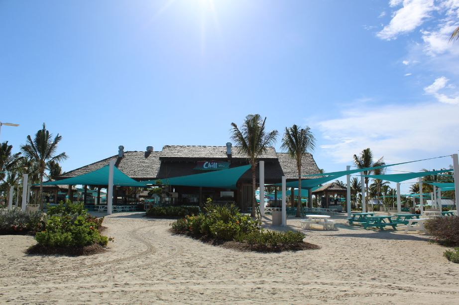 Drink in hand, toes in the sand — from tacos to BBQ chicken fresh off the grill, enjoy a full menu of Caribbean-style bites. With plenty of shade and picnic tables, Chill Grill maintains the laidback vibes from Chill Island. You can also serve yourself a cold brew at the beer station.