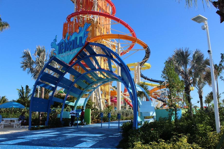 Entrance to Thrill Waterpark — you will need to scan your seapass for admission (if you have purchased tickets beforehand). The staff will give you wristbands for easy re-entry into the park.