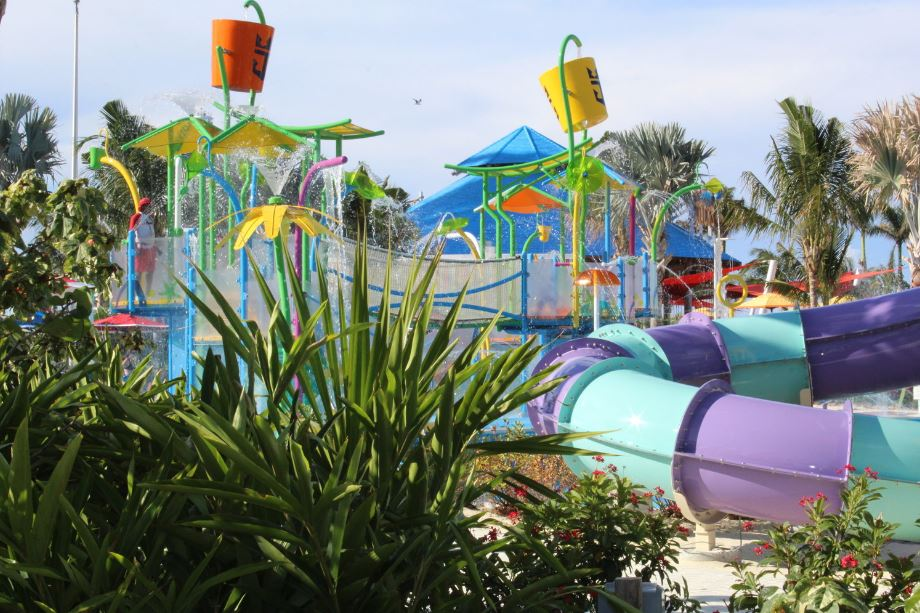 Kids can enjoy fun under the sun with fountains, pools and water cannons — including five waterslides and two large drench buckets. This attractions is free to all guests and located outside of the waterpark.