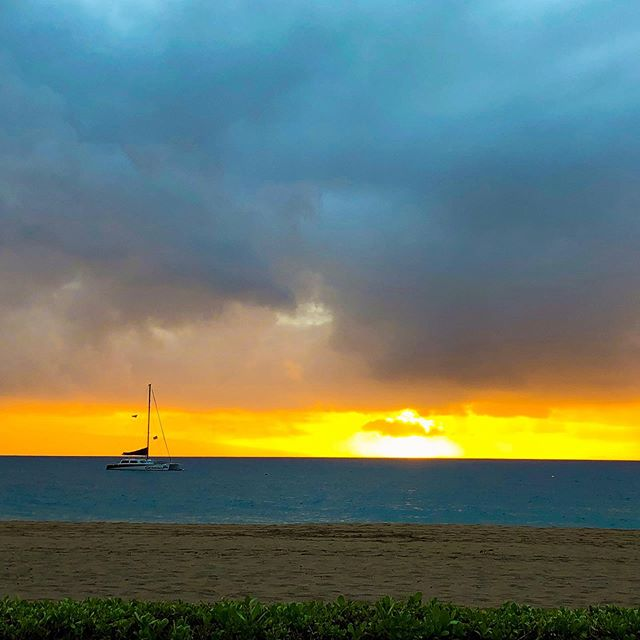 Caught in a tropical storm in Hawaii ⛈🌅  One of our favorite moments in Hawaii is being caught in a tropical storm on Maui. As the storm started to settle, the sky was on fire and the water turned a deep turquoise blue ☀️💧  To this day it's one of the most beautiful sunsets we've ever seen 😍  What's one of the most memorable moments from your last trip? 🙌  . . . . . . #wanderlust #travel #travels #hawaiilife #hawaii #ocean🌊 #salty #travelblogger #travelgram #couplesgoals #explorer #adventure #sunsets #tropical #travel_capture #beach
