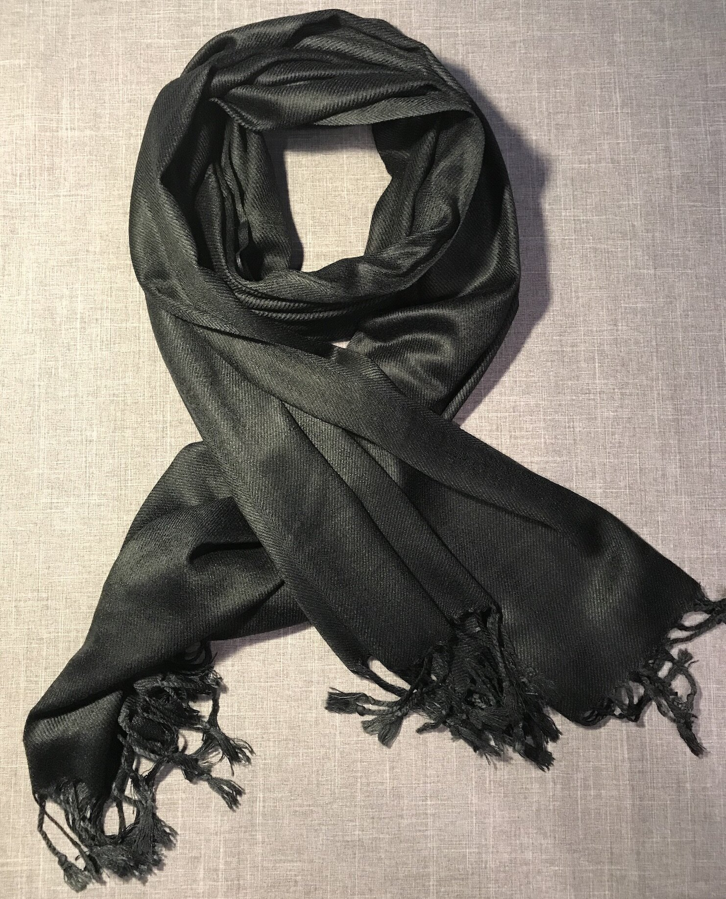 Many styles and colors of Pashminas