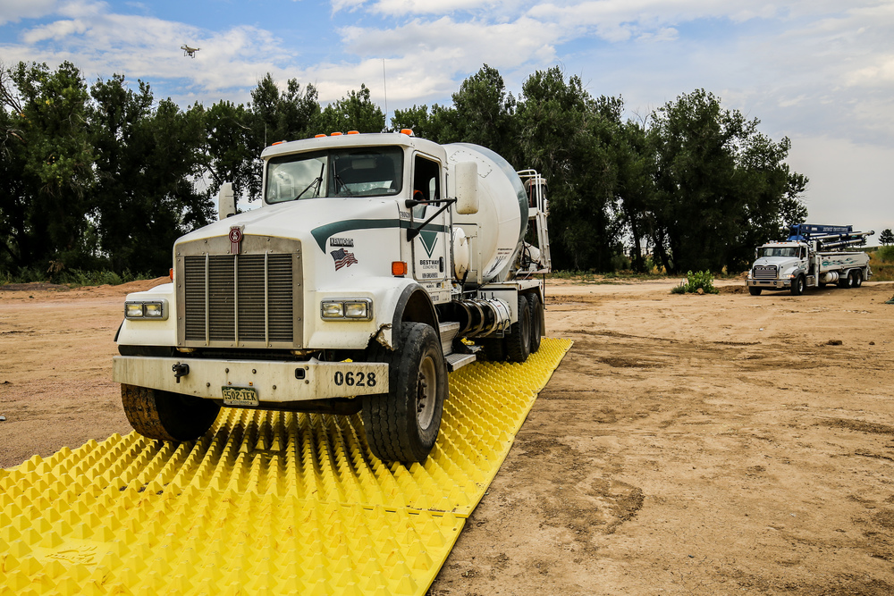 Rumble grid alternative removing dirt from a trucks tyres