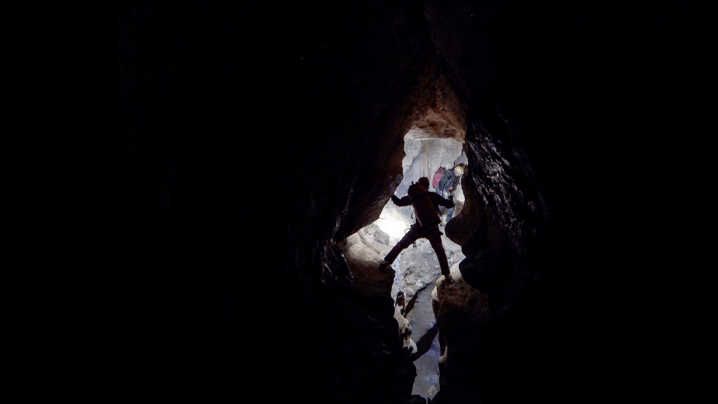 Caving -LuckieStrike - Mike & Dave in Luckie 2.jpg