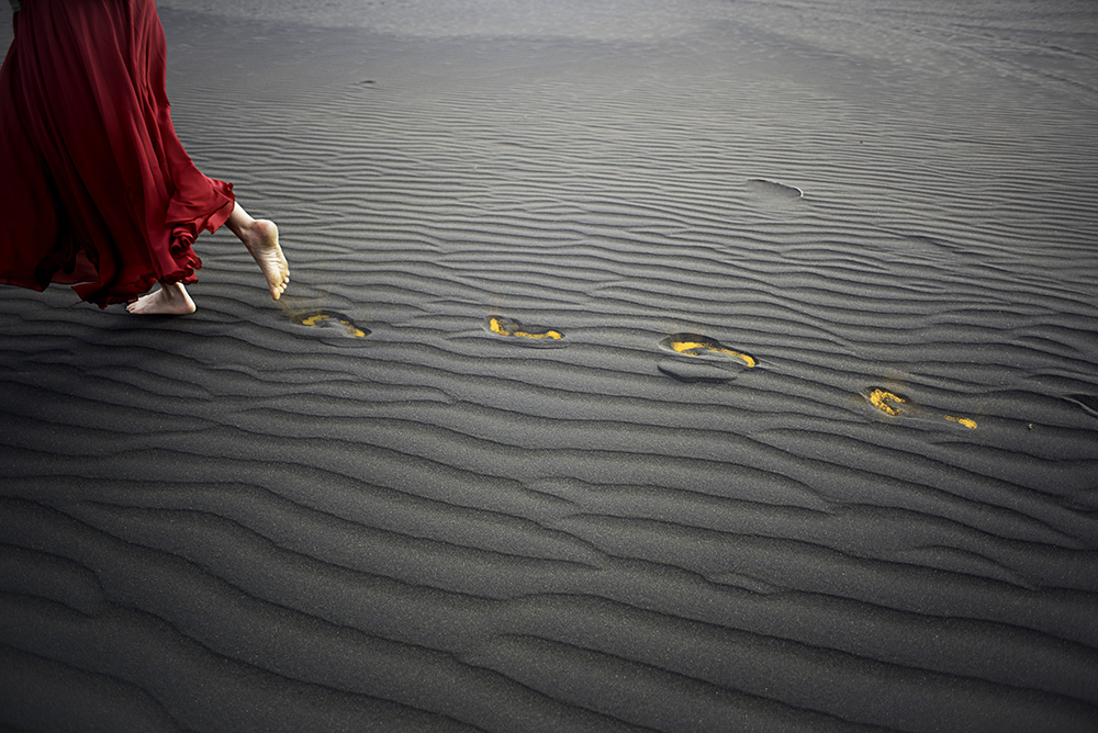 Melissa Nickerson Photography Curious Maiden Dunes 22 footsteps Low Res.jpg