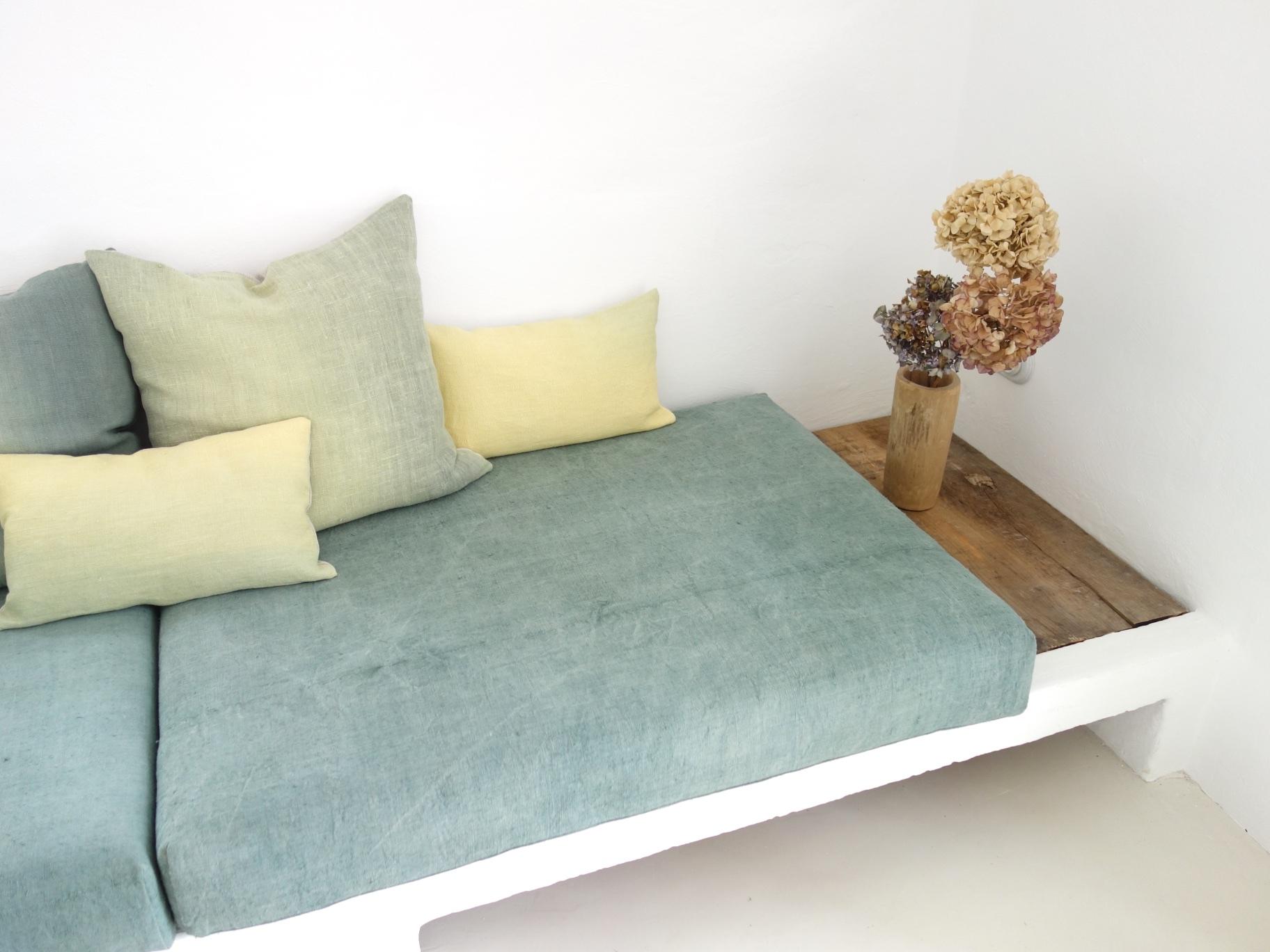 espanyolet_vintage_hemp_linen_couch_corner_green6.jpg