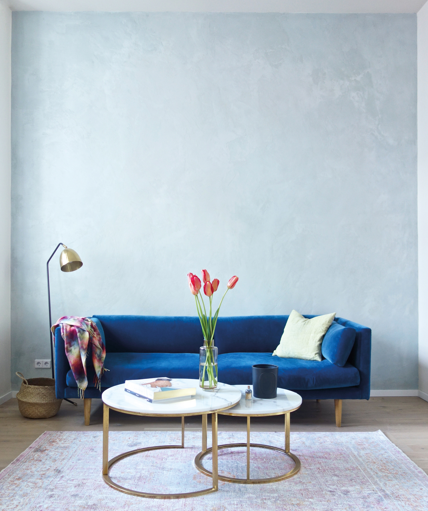 espanyolet_patina_pigmented_microcement)Blue wall.jpg