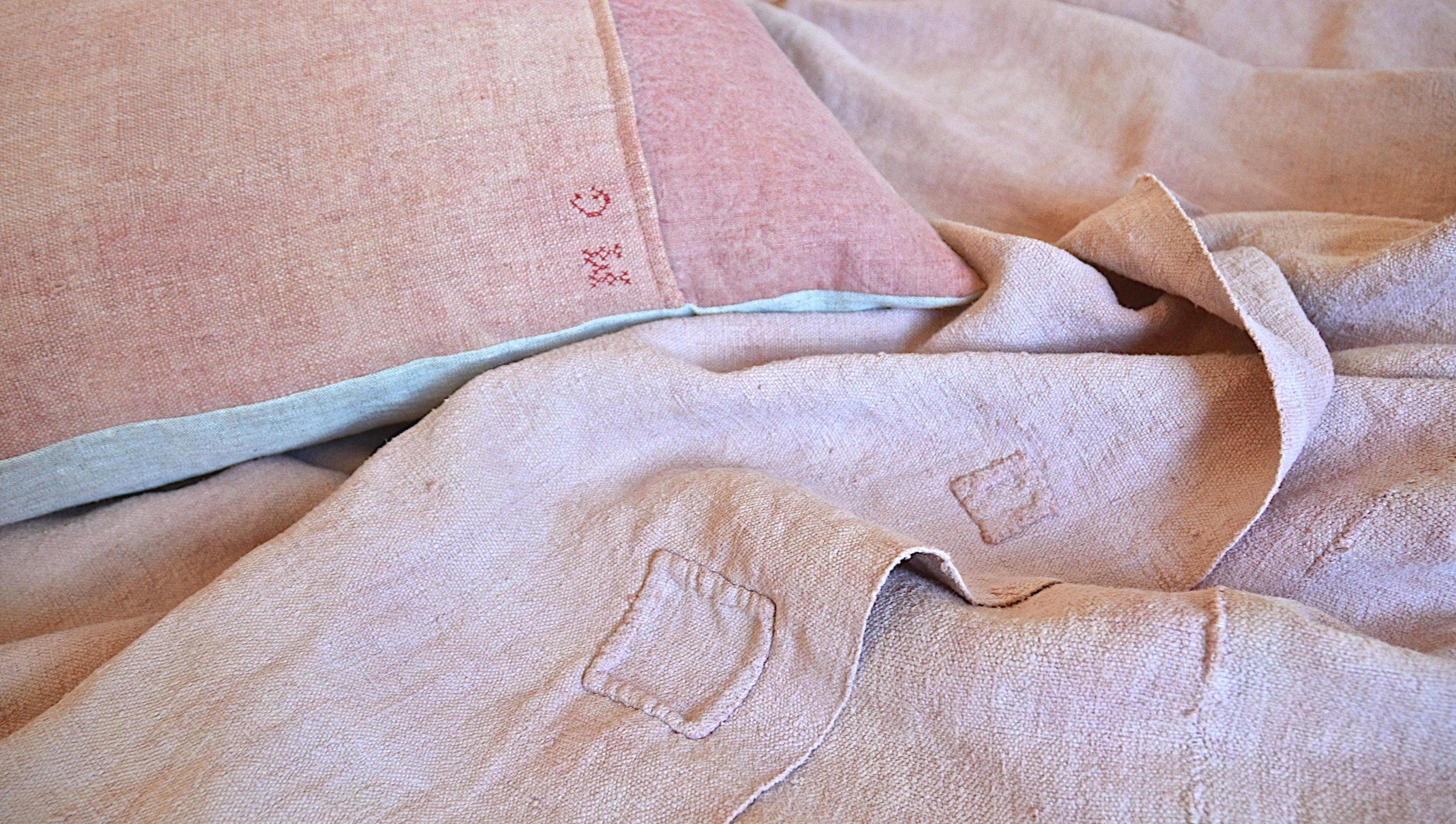 espanyolet_bedcover_quilt_bedding_vintage_blanket.jpg
