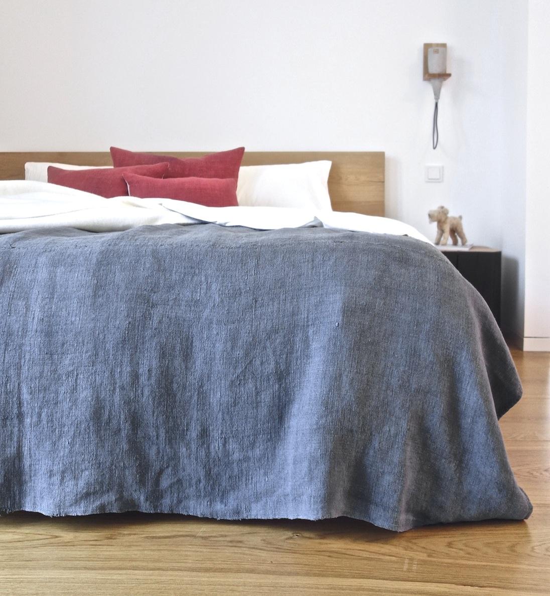 espanyolet_bedcover_coverlet_quilt_bedding_vintage.jpg