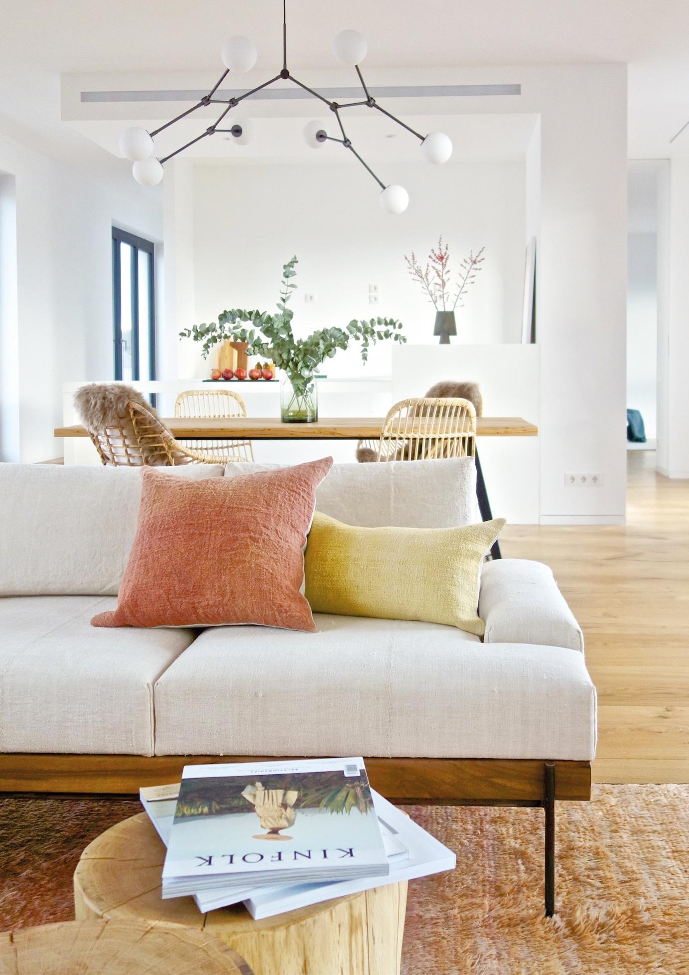 espanyolet_Couch.jpg