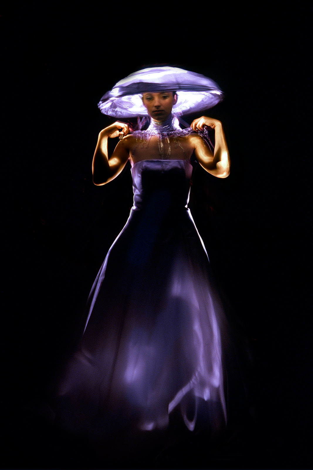 fashion_lightpainting_photography_by_Catalin_Anastase11.jpg
