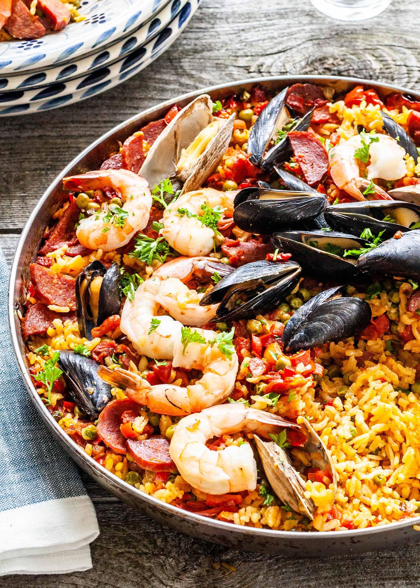Seafood-Paella-LEAD-VERTICAL.jpg