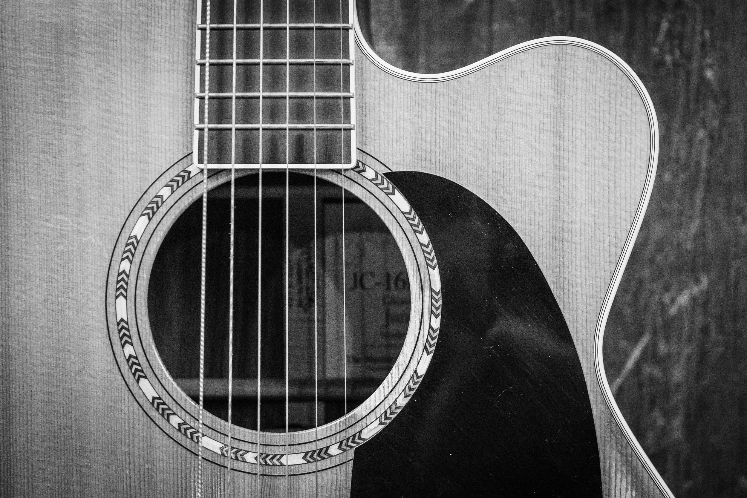 black-and-white-bowed-stringed-instrument-classic-1010518.jpg