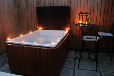 hot-tub-with-candles-3-e1422460817530.jpg