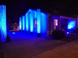 blue-columns-holiday-open-house-sound-in-motion-djs-campbell-showroom-2-300x225.jpg