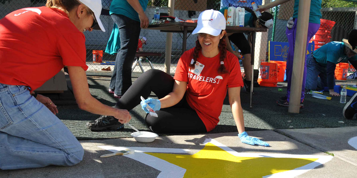 corporate-group-volunteer-downtown orlando.jpg