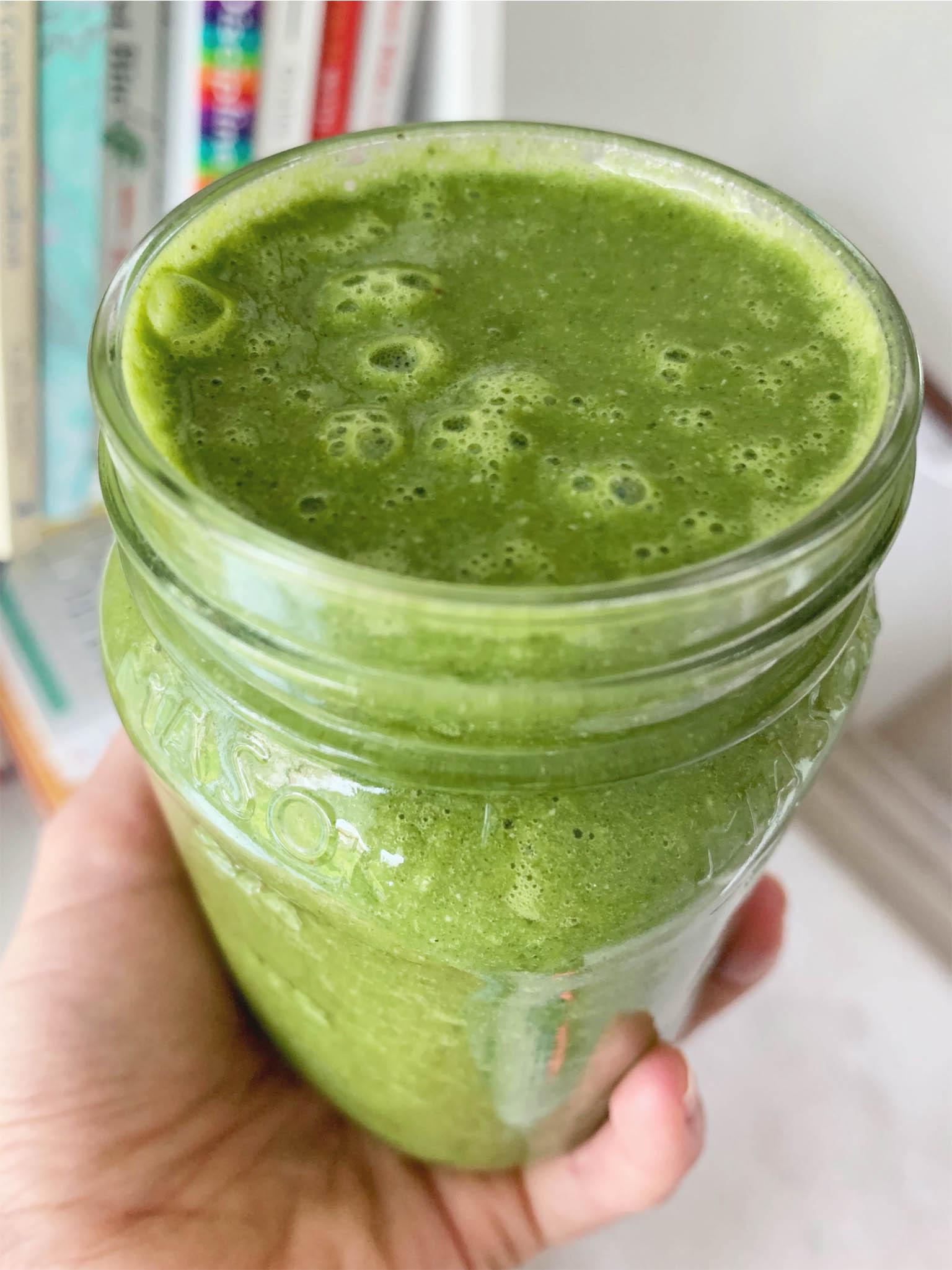 Refreshing Kale Pineapple Smoothie -