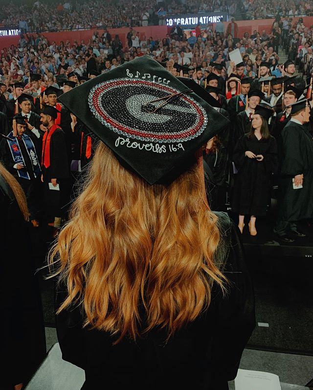 Once a dawg, always a dawg❤️🖤 . . . . . . . . What an amazing weekend! Thank you to all the family and friends who made it so great! I absolutely loved my time as a dawg and it is so bittersweet to be graduating. I have no clue what is ahead but I am so grateful to be a part of the UGA family. #godawgs